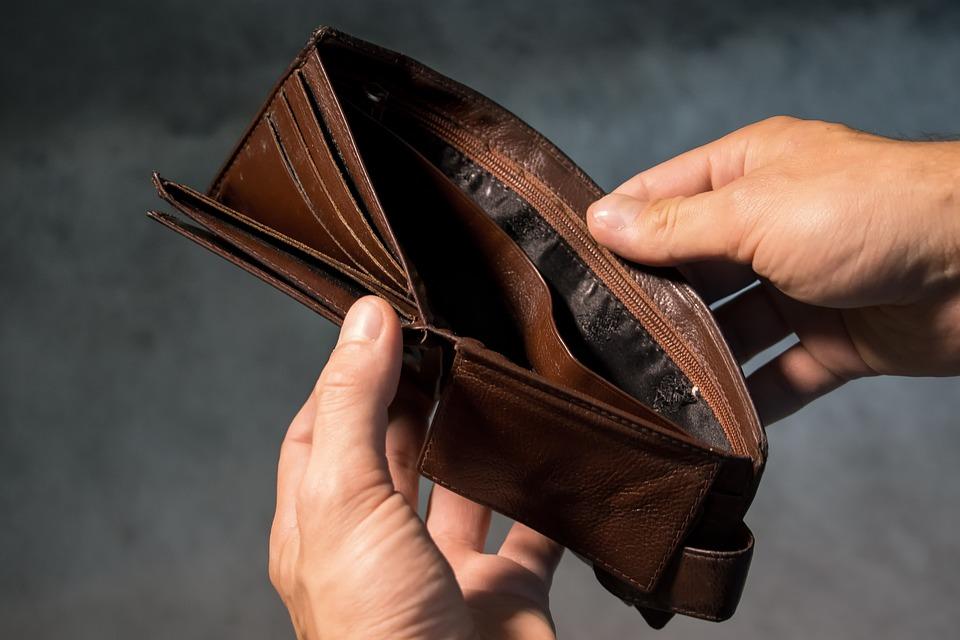 Jak vyjít s výplatou? Využijte metodu tří hromádek!