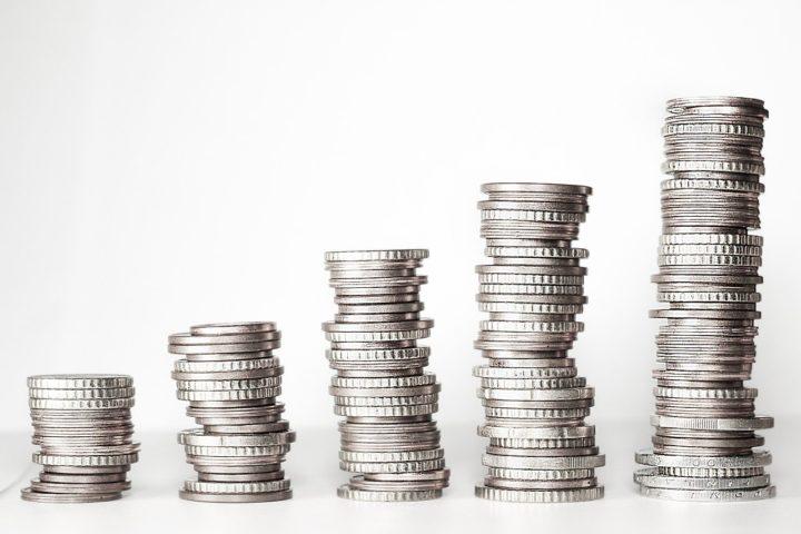 Když výplata nestačí: 3 tipy, jak získat rychlé peníze navíc